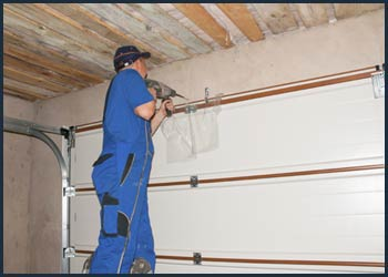 Garage Doors Store Repairs Frankfort, IL 815-975-6633